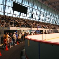 Hockey games draw big crowds at sydney ice arena